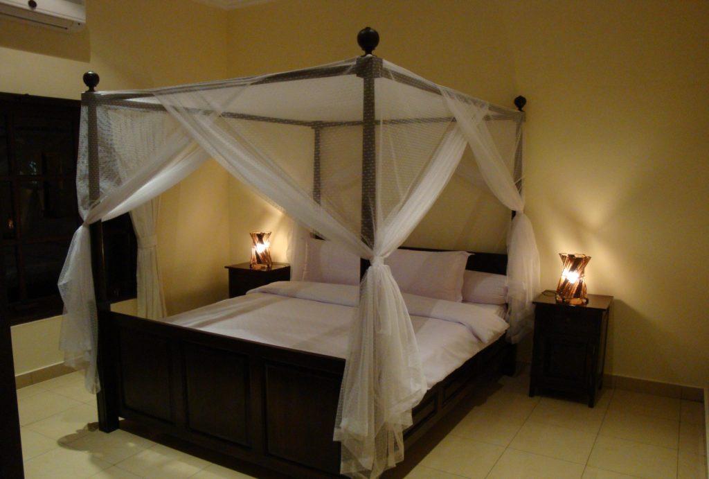Slaapkamer met airco op Bali